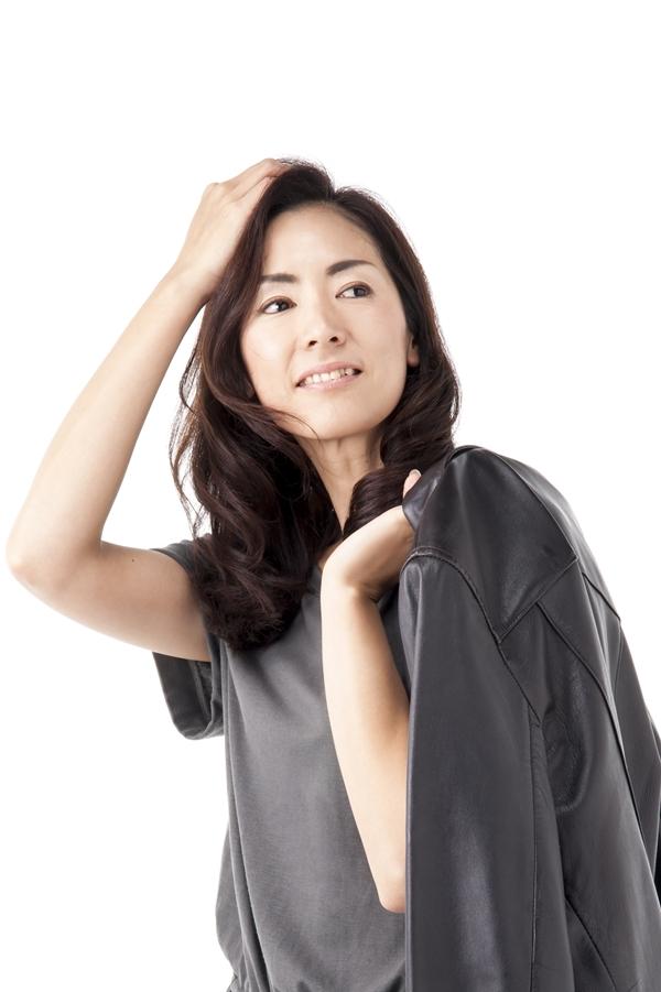 ロングナチュラルパーマ女性モデル顧客